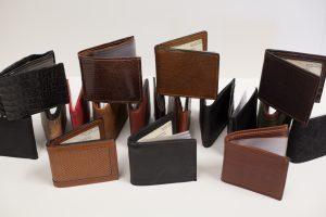 چندین نوع کیف پول چرمی